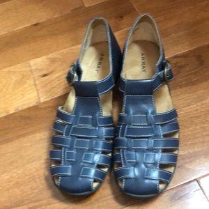 ARRAY shoes